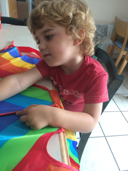 Putting the kite together