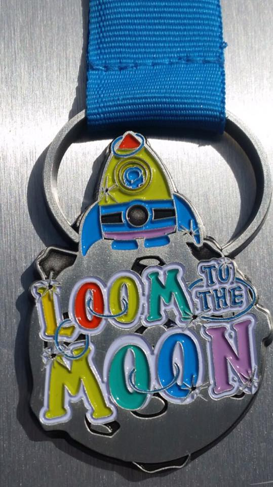 Loom to the moon medal