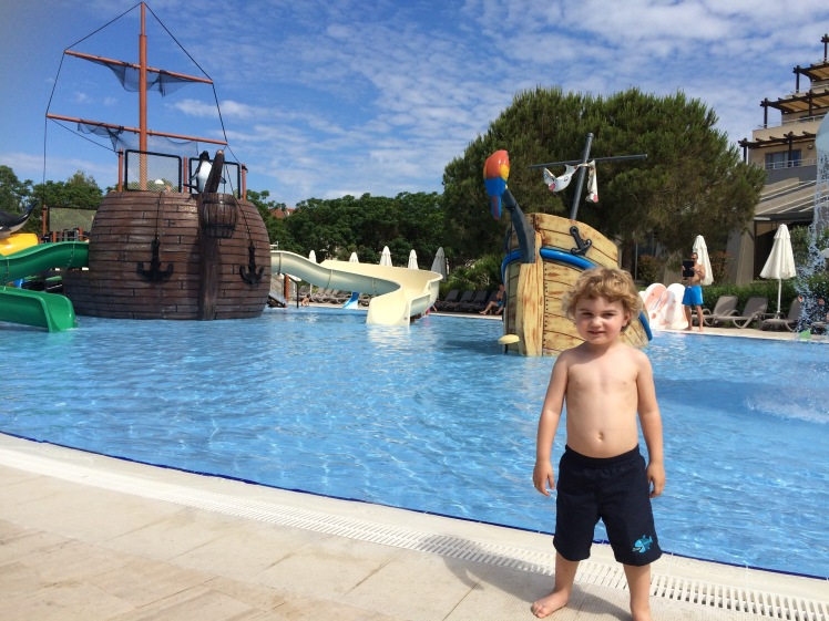 Children's pool at Bellis Deluxe